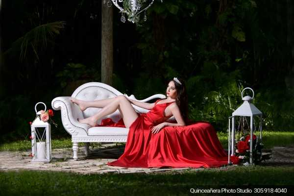 Spectacular photo of a quinceañera on a sofa, Photo by Quinceañera Photo Studio (305) 918-4040